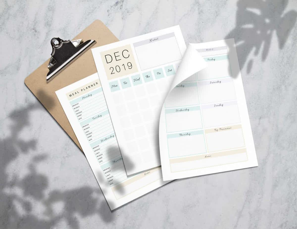 Simple daily and weekly planner inserts.