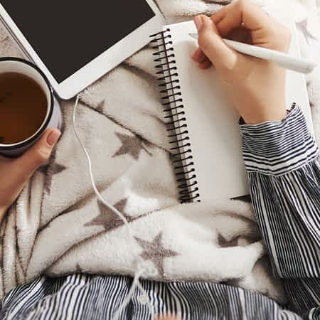 How to build a freelance writing side-hustle while in college